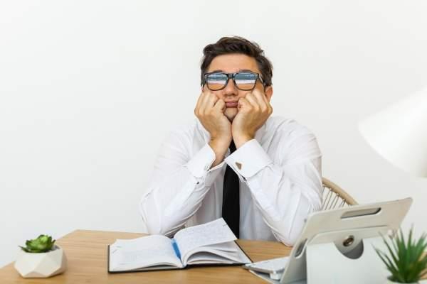 ¿Cuáles son las principales causas de la desmotivación en el trabajo?